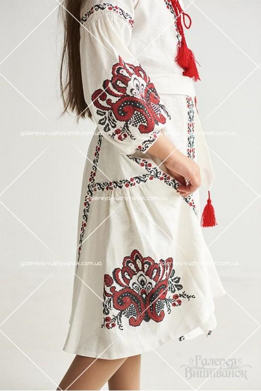 Сукня вишитадля дівчинки «Людмила»