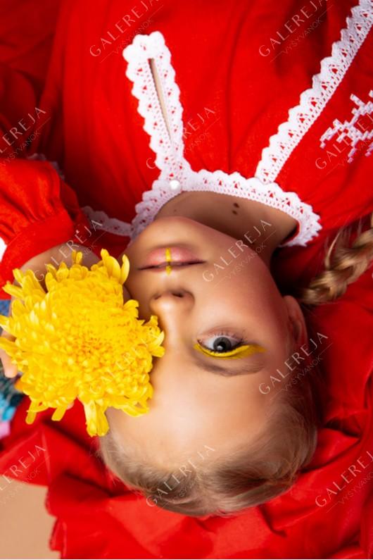 Вишита сукня для дівчинки «Рожа монохром»