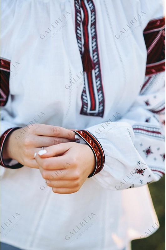 Жіноча вишита блузка «ГВ2601»