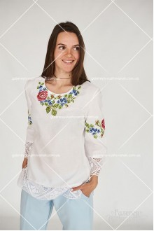 Жіноча блузка «Троянда і незабудка»