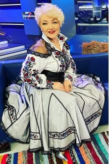 Жіночий вишитий костюм «Оксана Пекун»